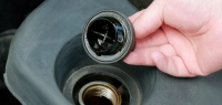 Как узнать состояние двигателя по маслозаливной горловине?