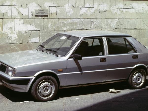 Lancia Prisma фото