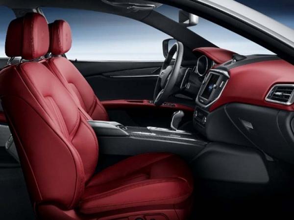 Maserati Ghibli фото